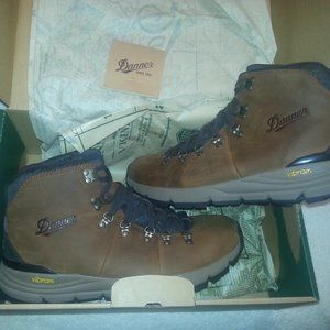 Danner  600  Mountain Hiking Boots